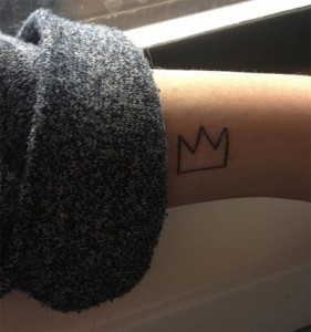 outline crown tattoo