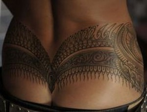 Sexy patterned hip tattoo design