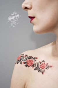 Lovely Roses Clavicle Tattoo